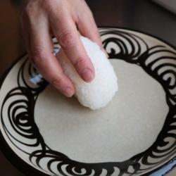 画像1: おにぎりの塩とこびんの塩